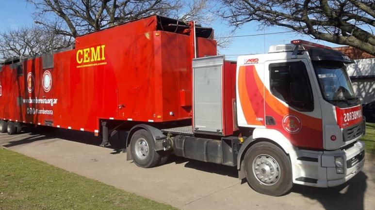 El camión con doble acoplado ya está situado en Los Molinos.