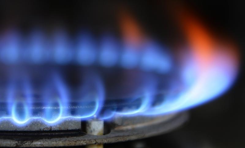 Las llamas de las hornallas tienen que ser de color azul.