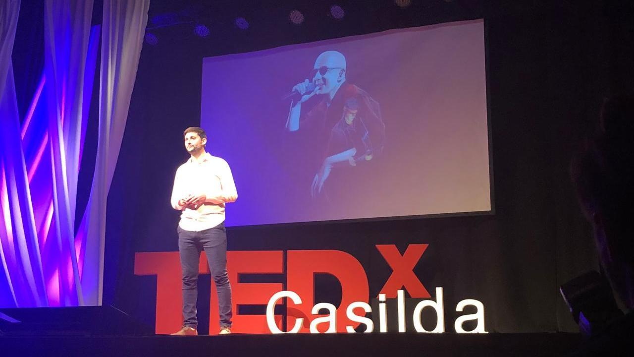 Gabriel Griffa pintó su realidad en TEDxCasilda.