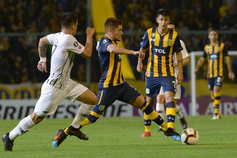 El volante central podría emigrar al fútbol brasileño.