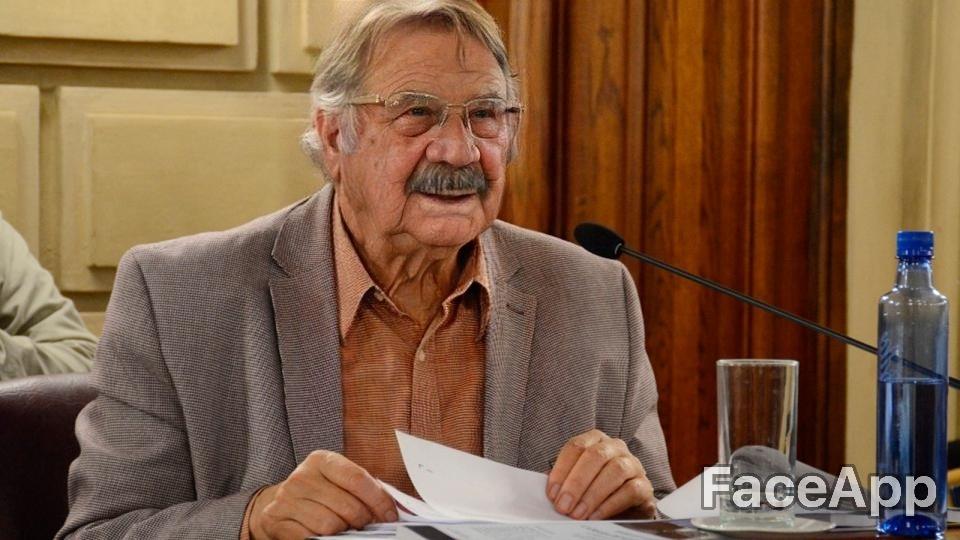 El abuelo Eduardo Rosconi, ¿aún sigue en política?