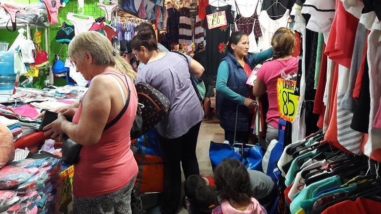 Ferias barriales, válvulas de escape a la crisis en los barrios.