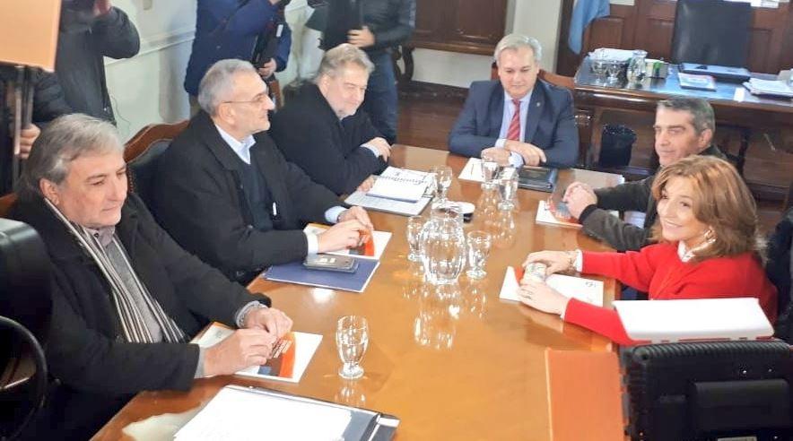 El encuentro realizado en el despacho del ministro Pablo Farías.