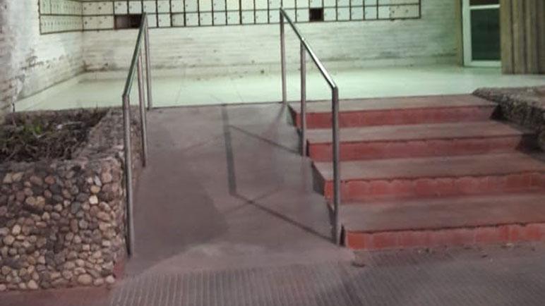 En el Correo implementaron una rampa hace algunos años.