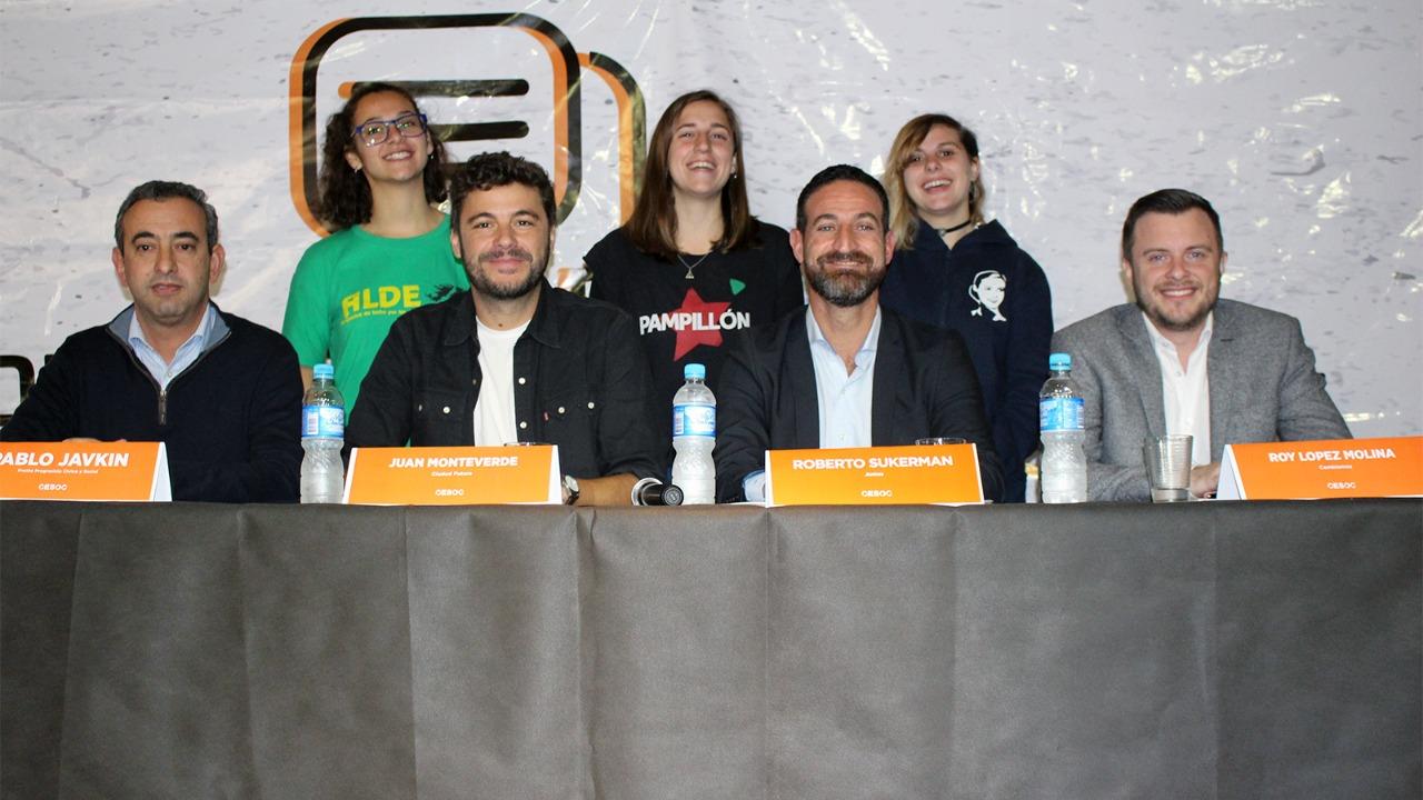 Los cuatro candidatos se sentaron a debatir, convocados por el Centro de Estudiantes.