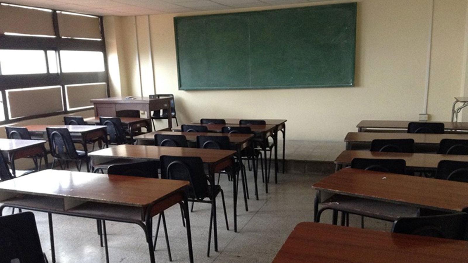 Los docentes siguen esperando un llamado del Gobierno Santafesino.