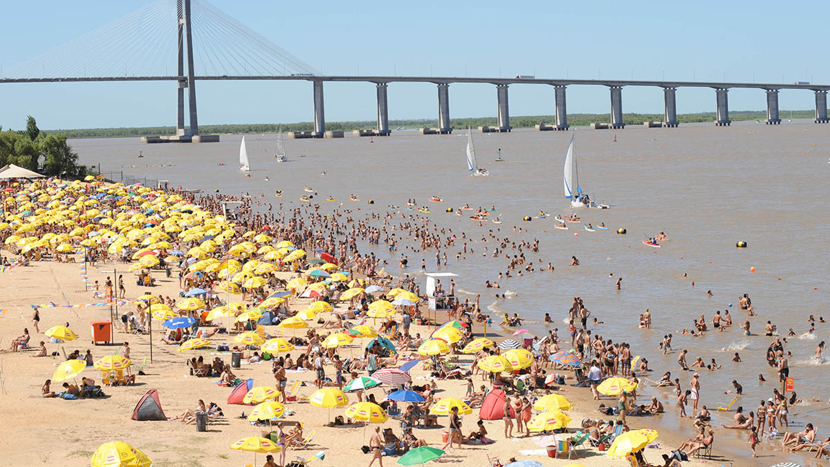 Es posible pasarse el día en la arena y comer saludable.