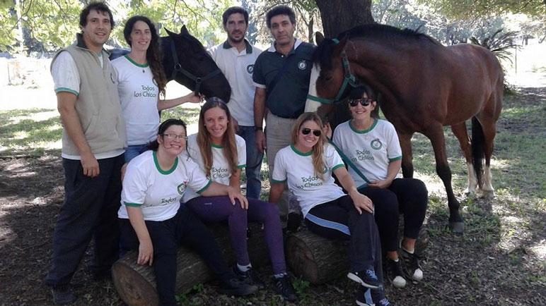 El equipo interdisciplinario de la fundación organiza una maratón solidaria.