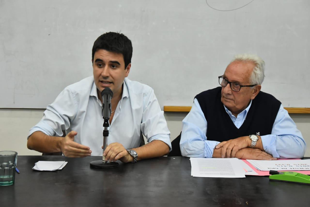 Toniolli y Héctor Recalde, en la Facultad de Derecho.