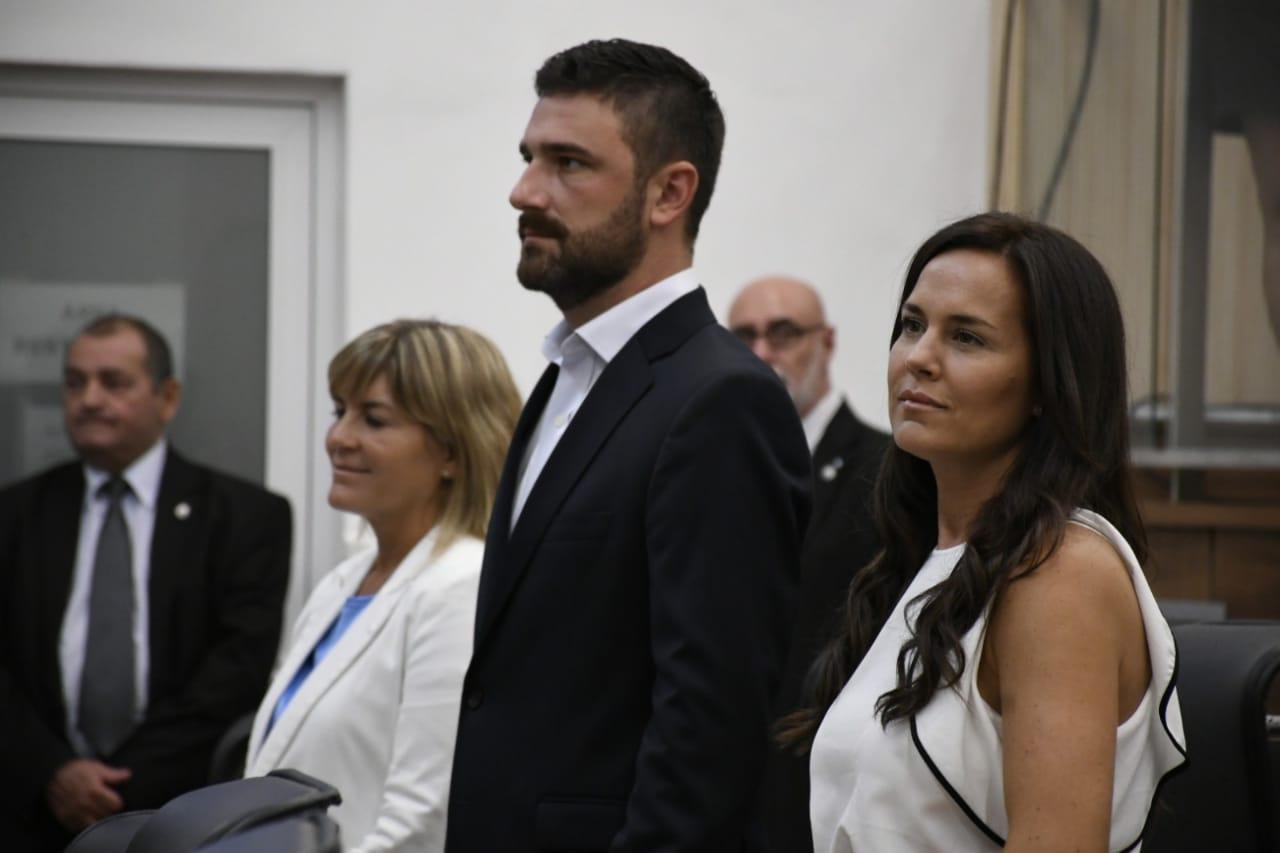 Irizar, Estévez y Martíntezen la apertura de sesionesordinarias. (Foto: Rosario Plus).