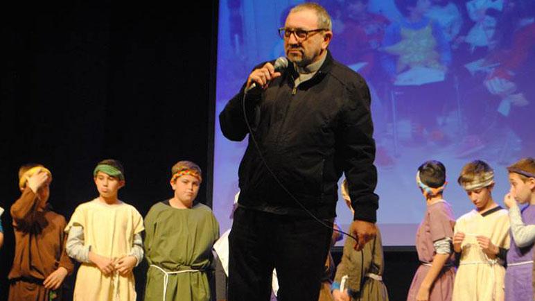El Padre Segovia disfruta sus últimos días en la ciudad.