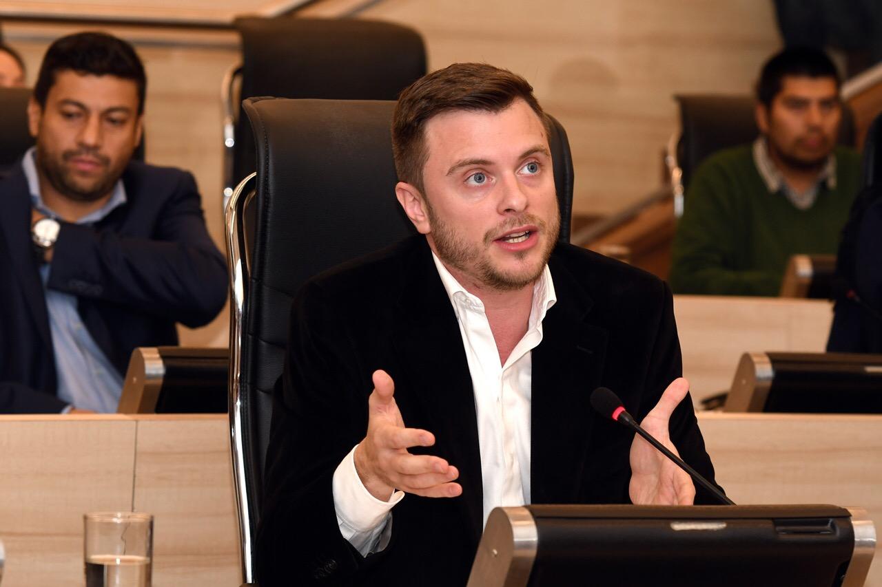 López Molina competirá por la intendencia (concejo oficial)