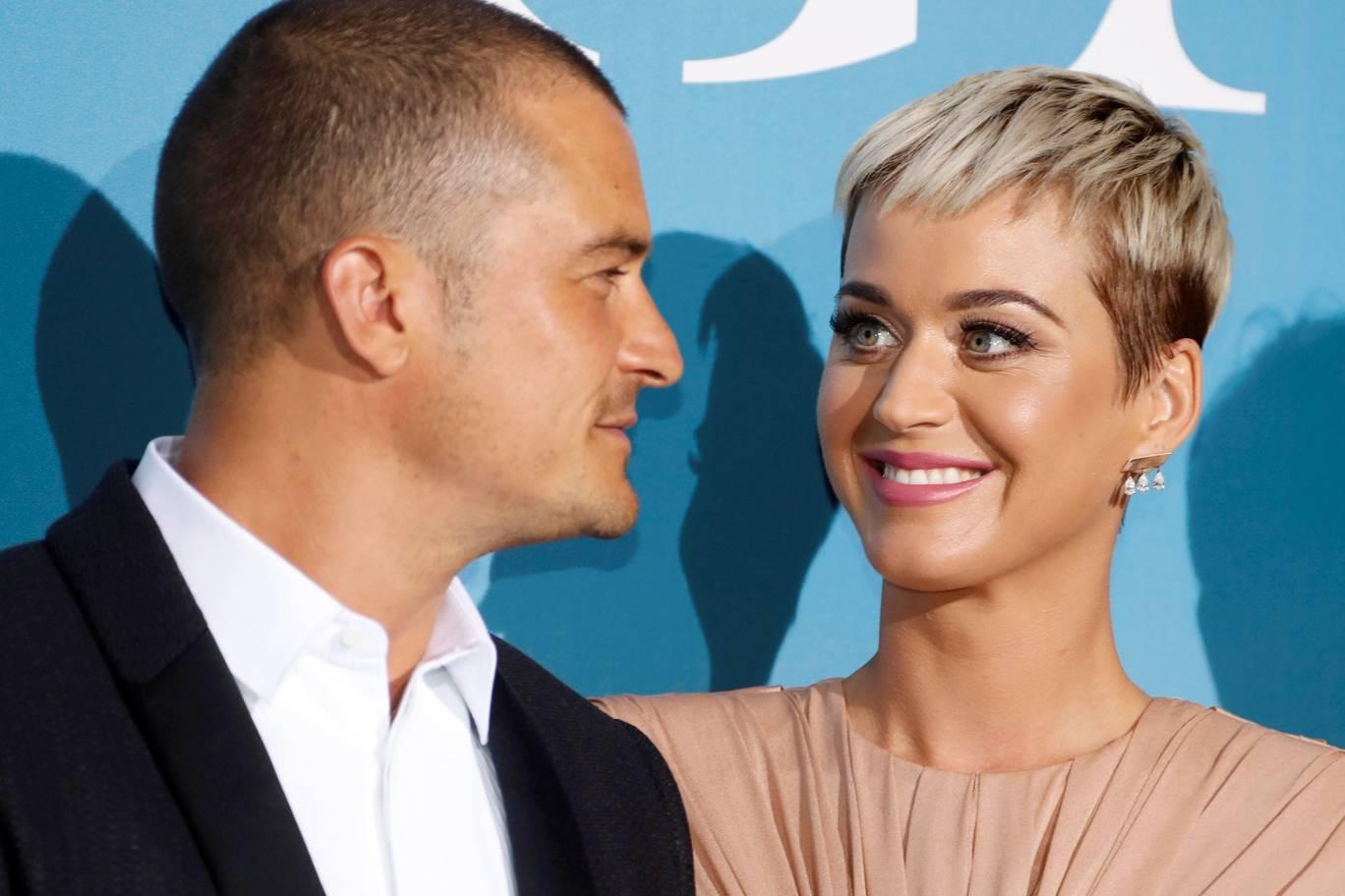 Los famosos eligieron la fecha más célebre del amor para comprometerse y contarlo.