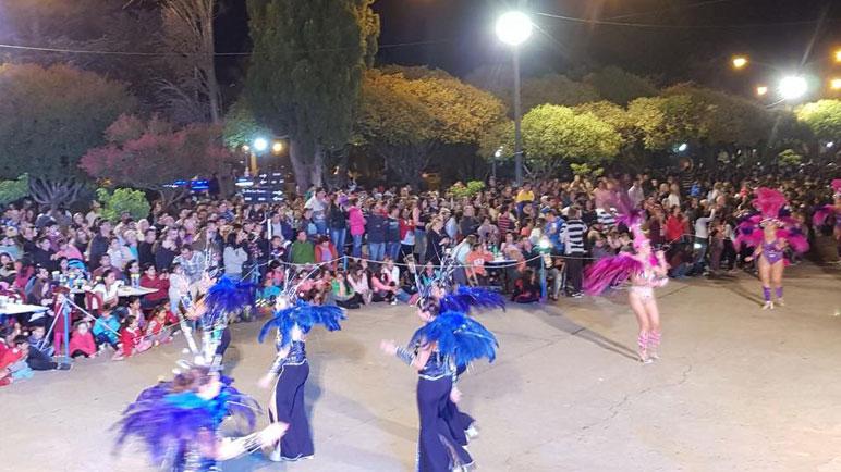 Fiesta de Carnavales en Pujato. Esta noche desde las 20.30 horas.