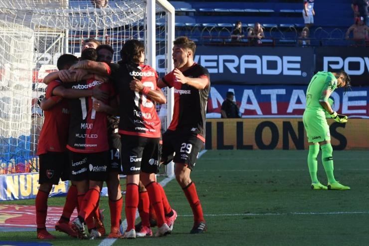 El gol de Alexis Rodríguez hizo respirar nuevamente al equipo.