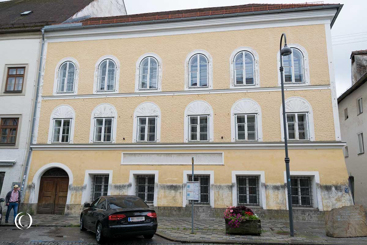El edificio donde nació Hitler.
