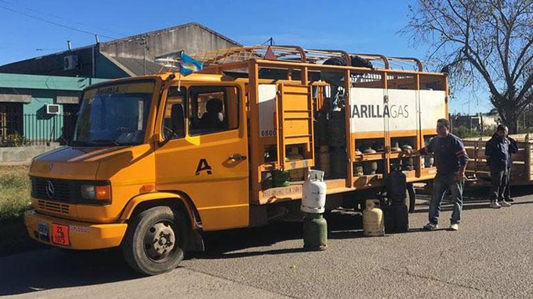 El camión con los tubos llega hoy al mediodía a Casilda.