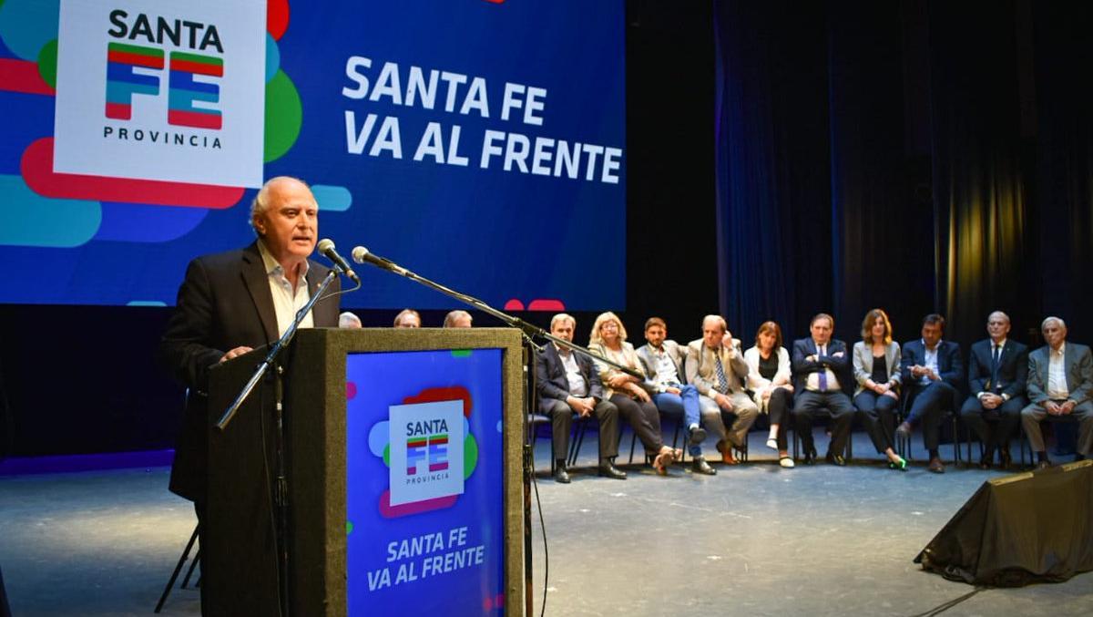 Lifschitz durante un acto con referentes del Frente Progresista.
