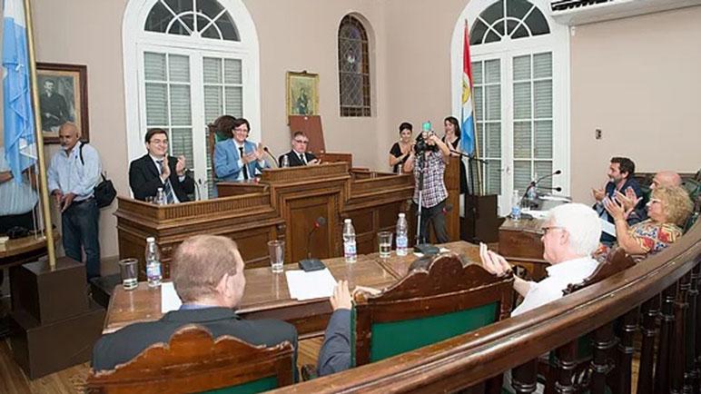 Los oficialistas y el PRO consiguieron el aumento de la tasa municipal.