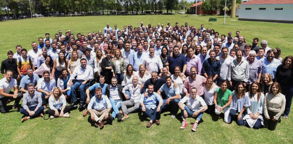 Los dirigentes radicales, del PRO, peronistas y del partido Fe se congregaron.