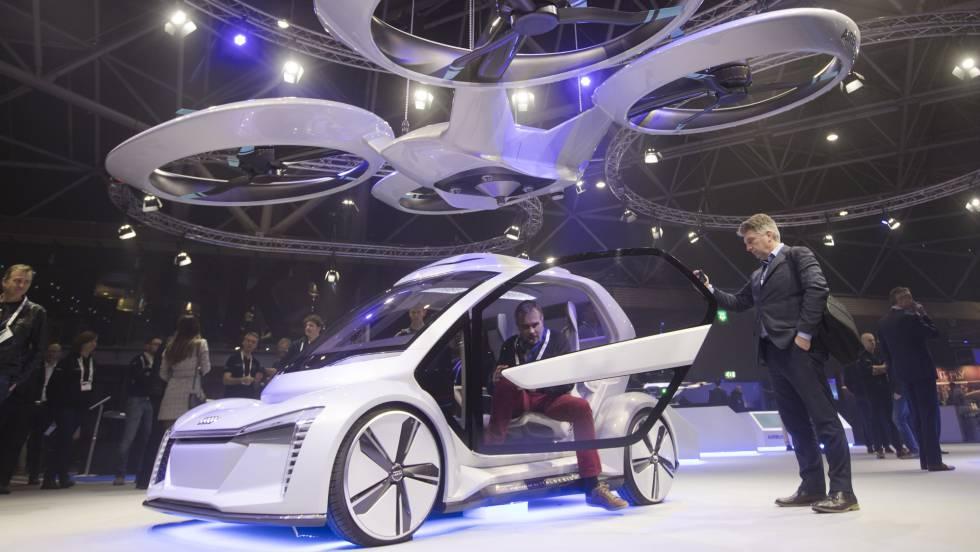 El Pop Up Next, el prototipo de Auidi, mostrado en la Amsterdam Drone Week.