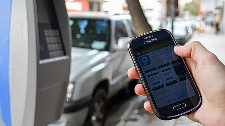 ¿Será así? El estacionamiento medido podría ser controlado por dispositivos móviles.