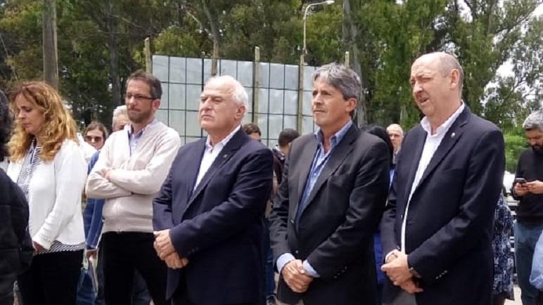El Gobernador Lifschitz, acompañado de sus ministros, Garibay y Álvarez.
