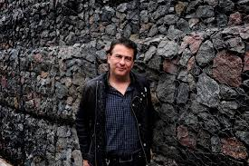 Domínguez, el autor.