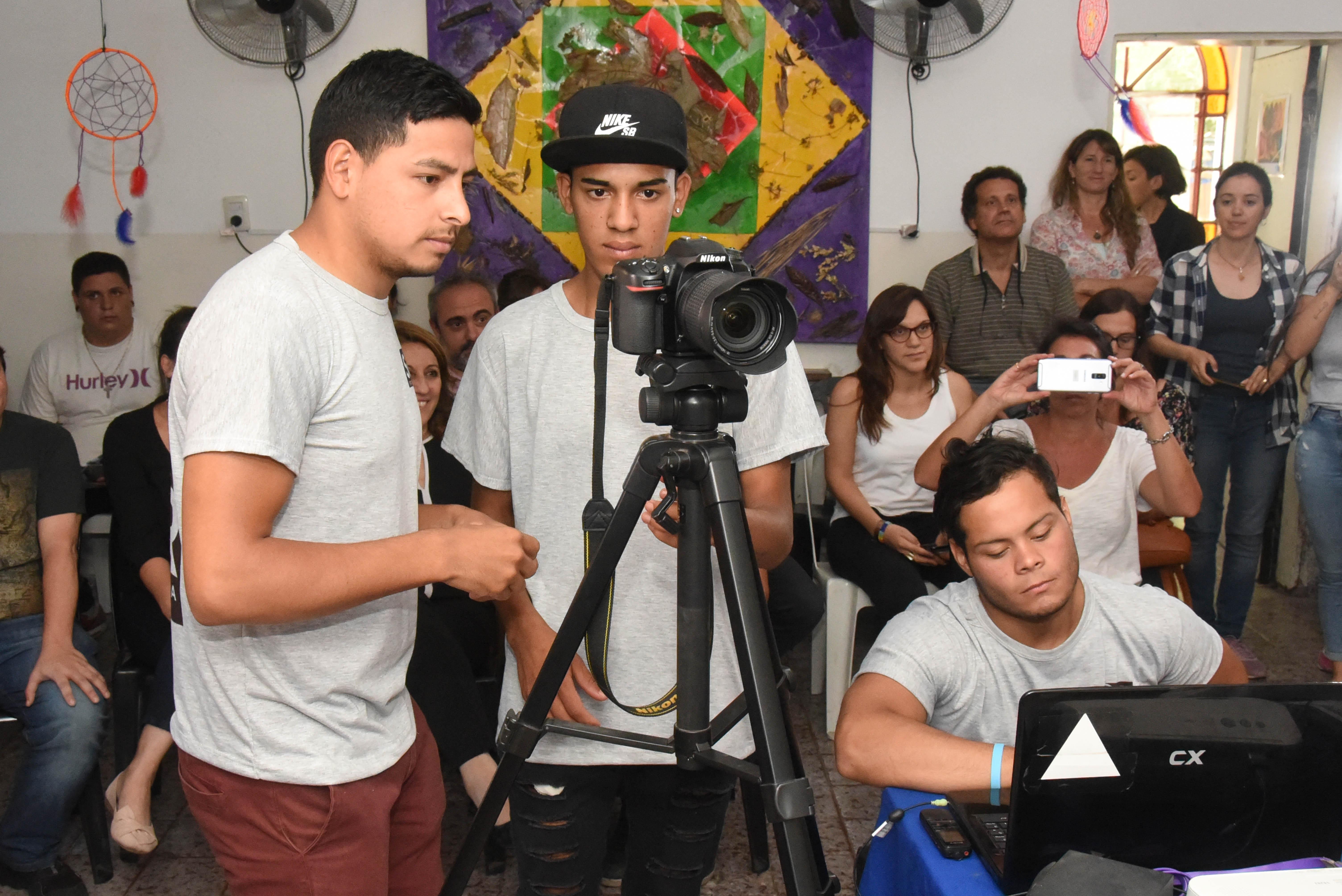 Diez jóvenes que se capacitaron y quieren insertarse en el mundo laboral