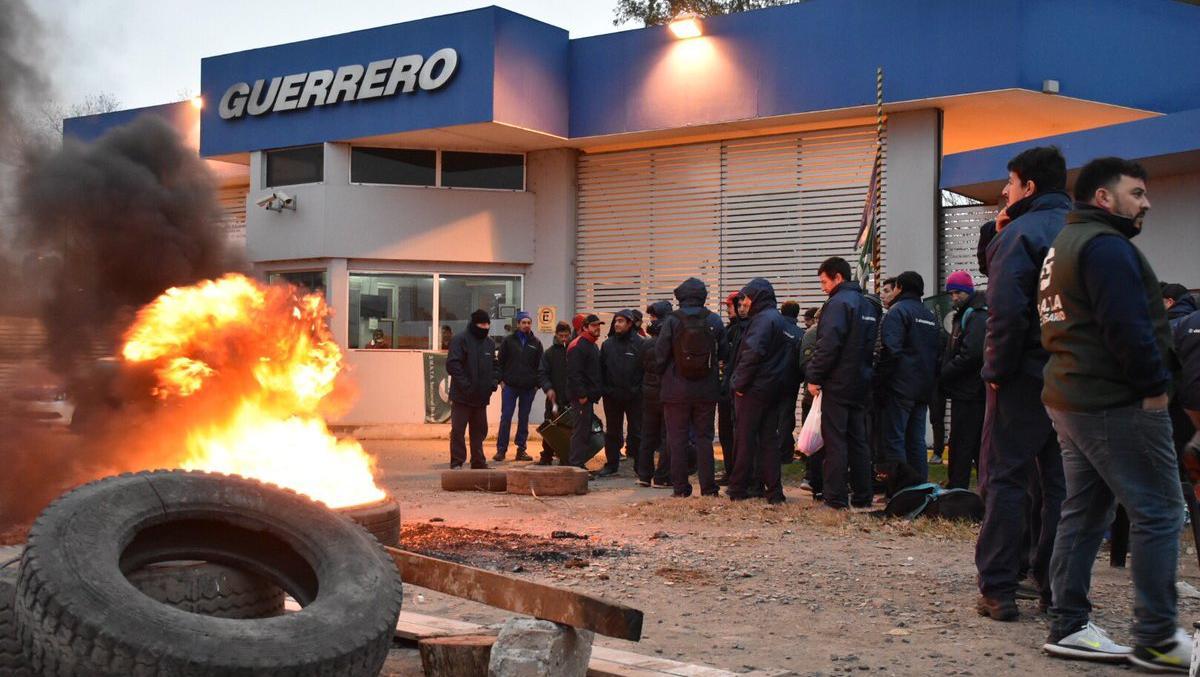Varios trabajadores dejaron la empresa con un retiro voluntario.