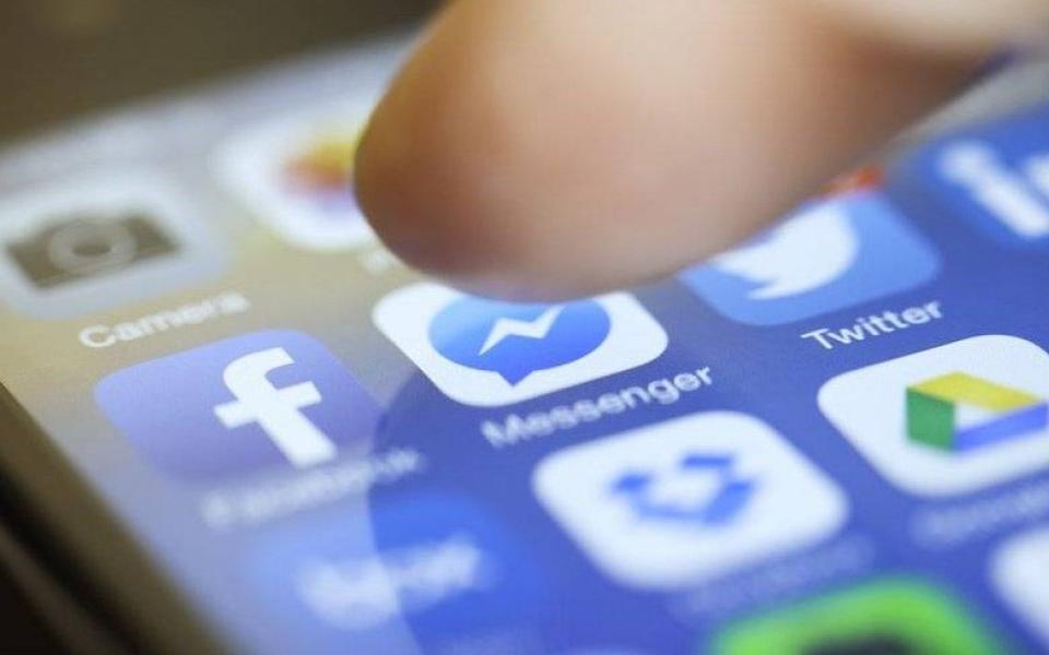 La red social contactó con bancos por los datos de sus clientes