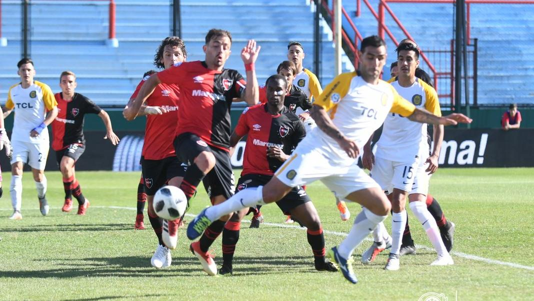 El momento exacto en que Herrera conecta para el gol (Foto: RC oficial)