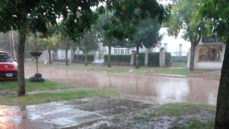 En la ciudad llovió durante casi todo el martes. Recién por la noche dio una tregua.