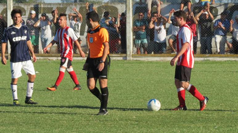 Almada sabe lo que es dirigir una final en Pujato, entre Atlético y Belgrano.