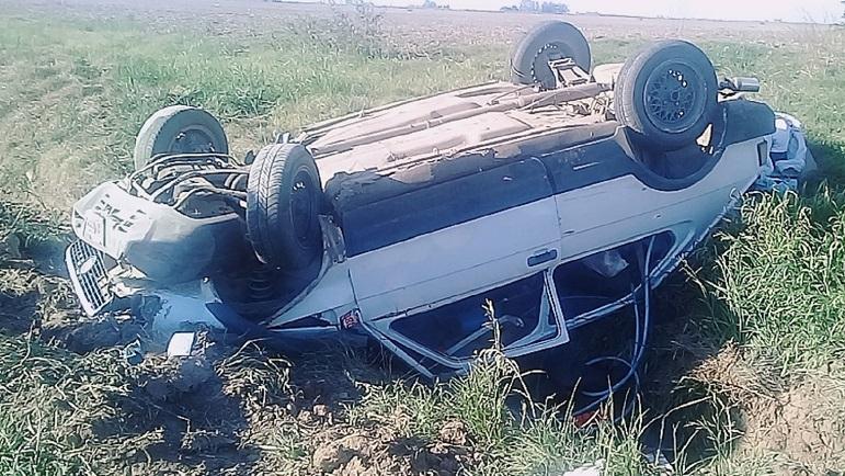 Así terminó el Fiat 147 luego de varios giros.