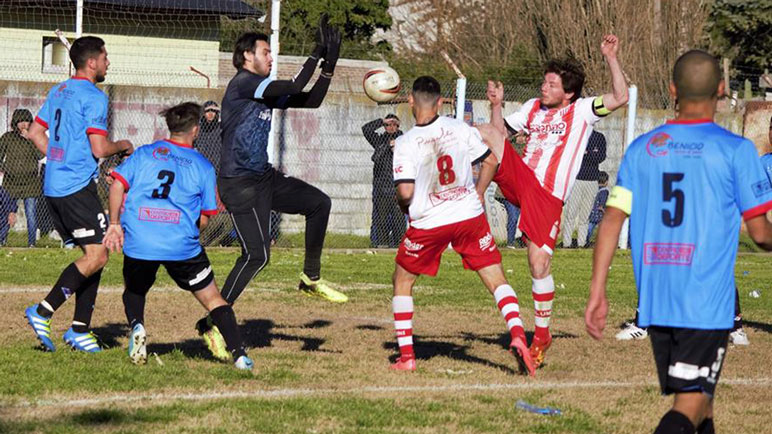 Alumni se la juega toda en Yapeyú. Tiene que ganar por dos goles.
