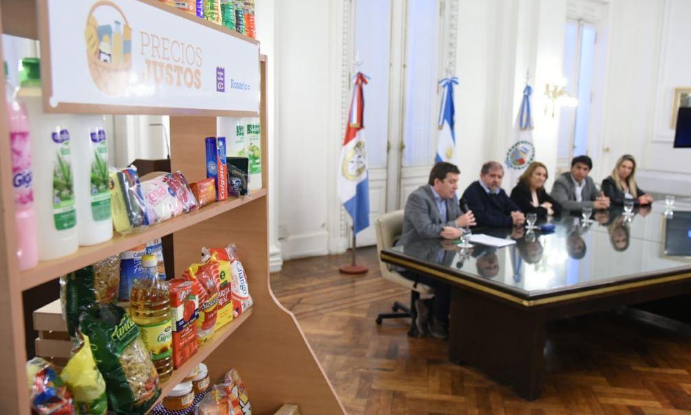 El convenio se firmó este jueves en el Palacio de los Leones.