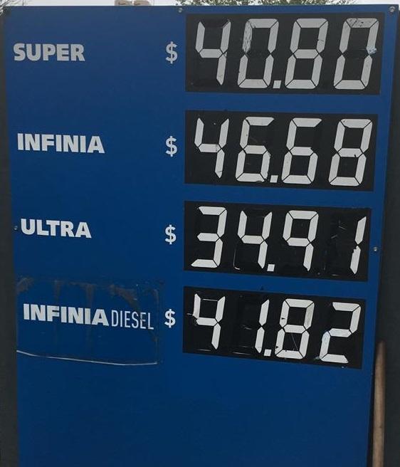 La cartelera de los precios de combustibles del 1/10.