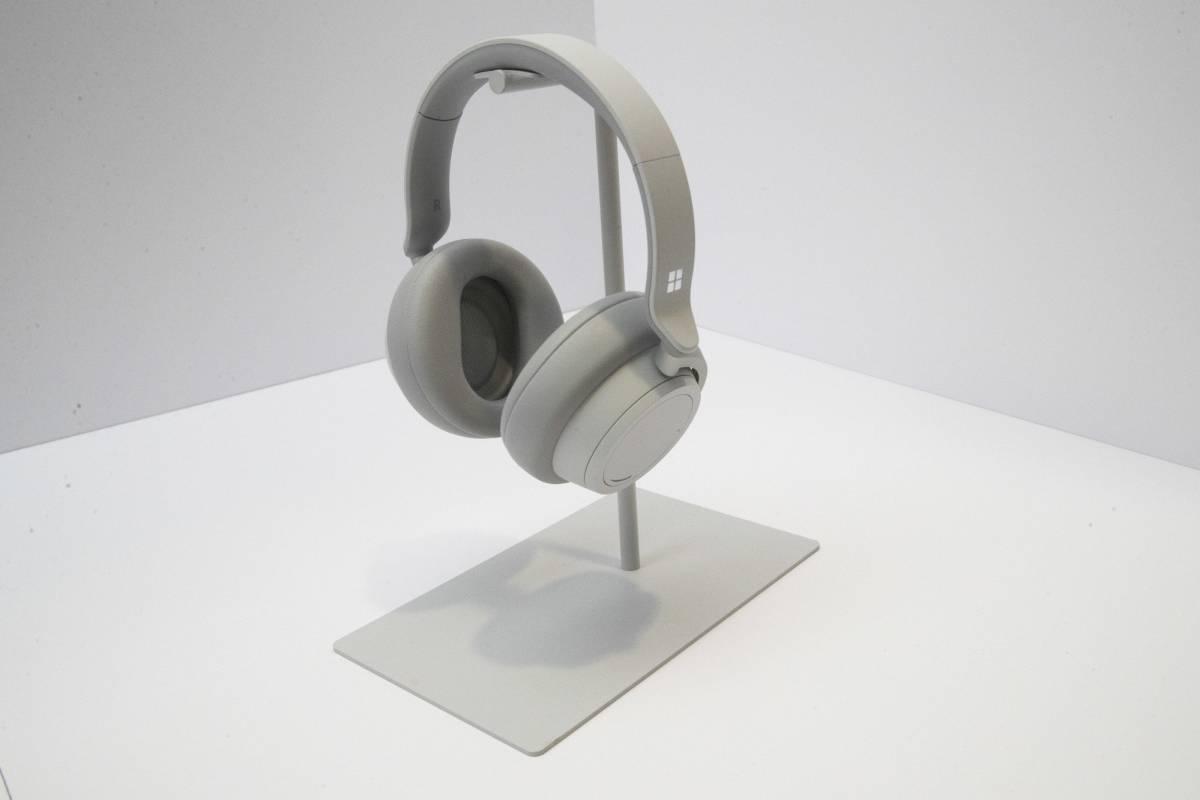 Los primeros auriculares de la familia Surface.
