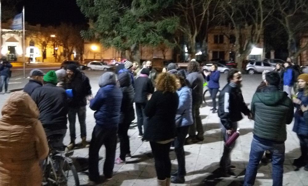 La protesta comenzó en la Plaza de los Mástiles.