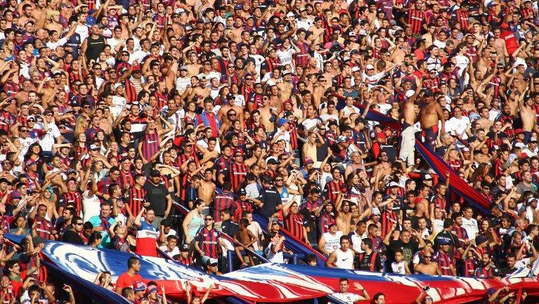 La hinchada de San Lorenzo fue la primera en cantar contra el presidente.