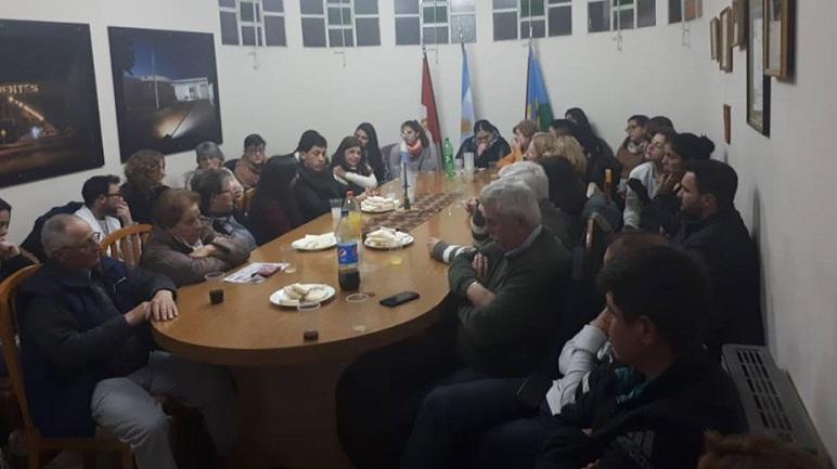 La primer reunión se llevó a cabo en el edificio de la comuna.