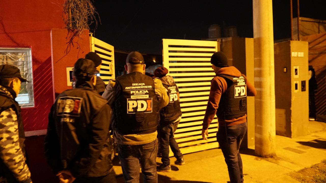 Uno de los allanamientos realizados en barrio Alvear, en el sudoeste rosarino.