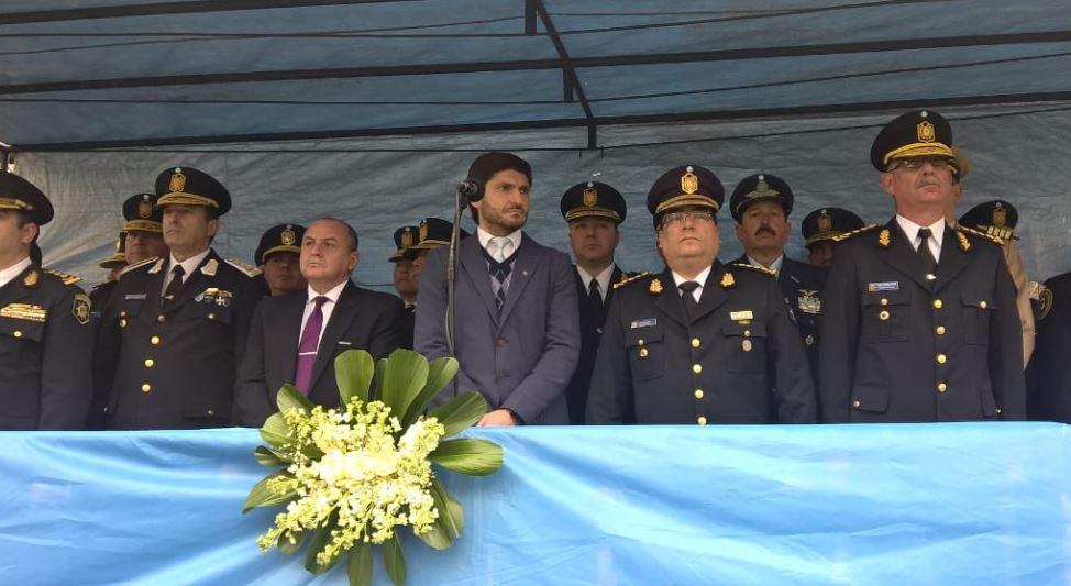 Pullaro, hoy, con la cúpula policial en un acto en Rosario.