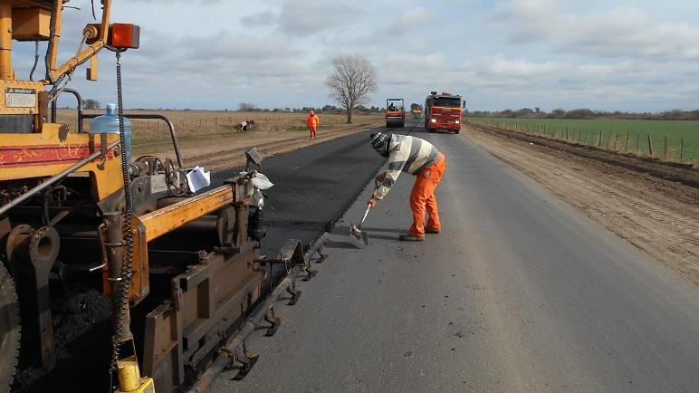 Obras viales, también representa una fuente de empleo clave.