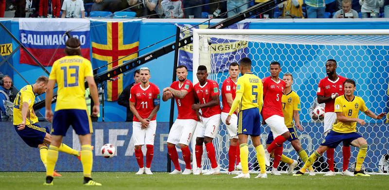 El trámite del partido fue aburrido, casi sin situaciones de gol. (EFE)