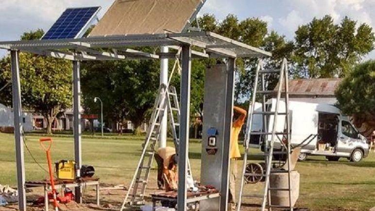 La estación solar de Los Molinos, ubicada a metros de la Ruta 92