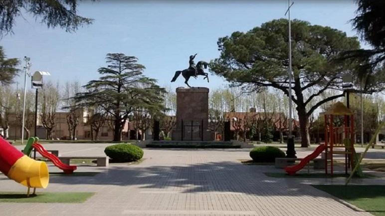 Los chicos de Barracas se mudan a la Plaza San Martín.