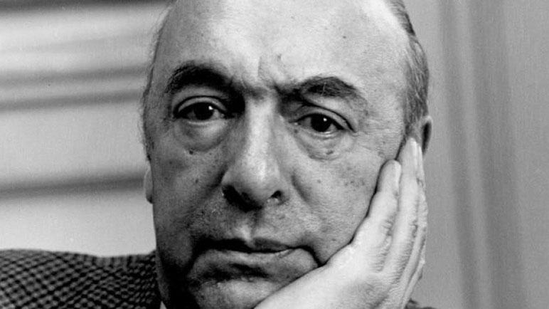 Pablo Neruda fue legislador en su país natal en una época complicada.
