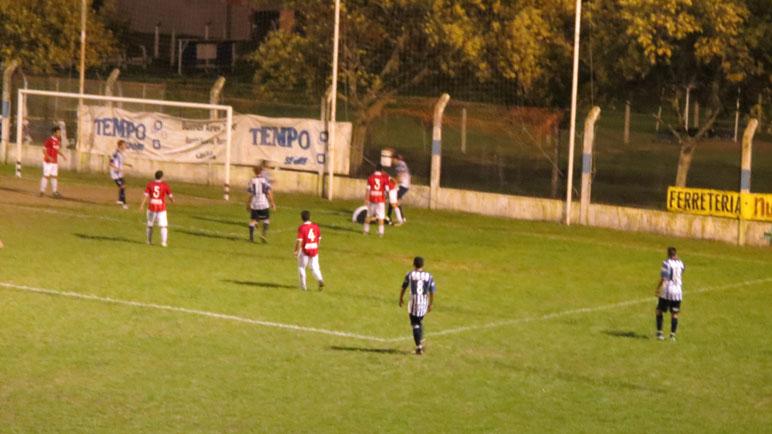 Rojo, de noche, en Aprendices. Unión Deportiva será local en Nueva Roma.